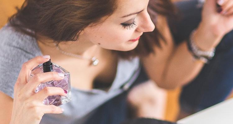 Read more about the article Saiba como aumentar a venda da perfumaria no Carnaval